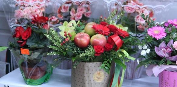 Стало відомо, якою є цінова політика на квіти у День закоханих (ВІДЕО)