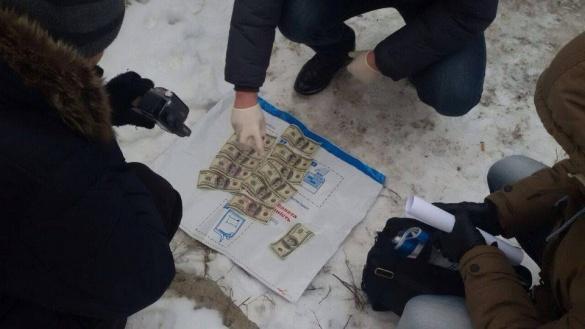 На Черкащині СБУ викрила на хабарі поліцейського