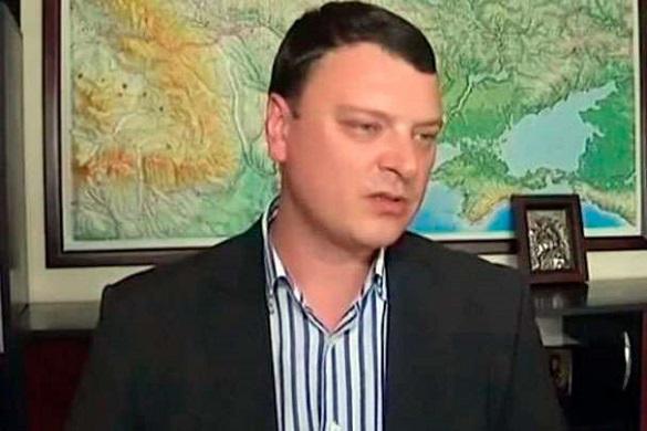 Підозра у корупції: черкаський митник запевняє, що 130 тисяч доларів йому подарував дідусь