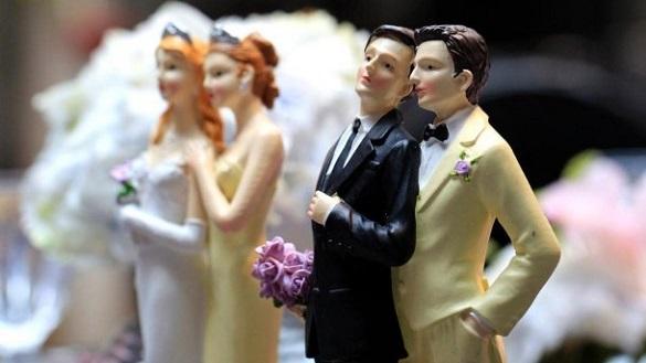 Протистояння щодо ЛГБТ: у Черкасах з'явилися петиції про дозвіл й водночас заборону одностатевих шлюбів