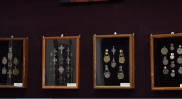 Черкаський ювелір зібрав найбільшу в Україні колекцію прикрас минулих століть (ВІДЕО)