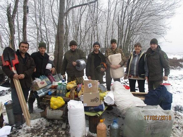 Черкаські волонтери відвезли допомогу військовим у зону АТО
