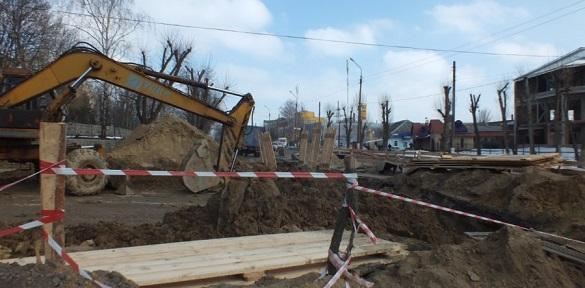 У Смілі триває аварійне відновлення каналізаційного колектора (ВІДЕО)