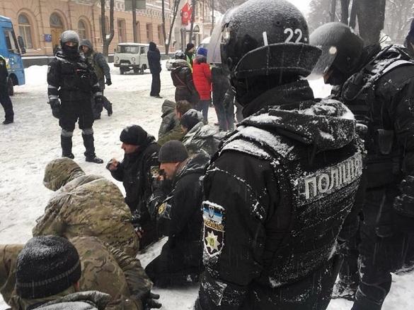 Поклали обличчям у сніг: черкащанин розповів про мітинг під Верховною Радою