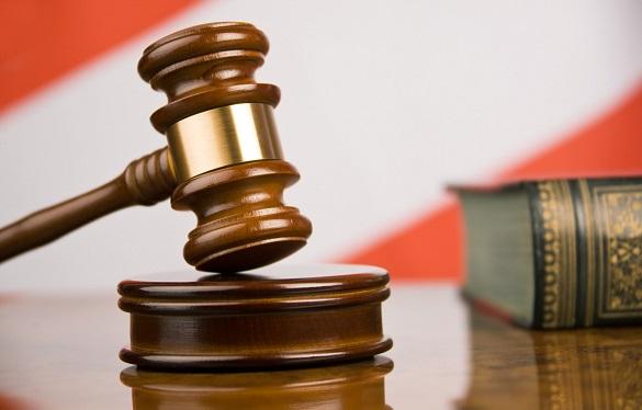 Колишній командир взводу постане перед судом за побиття поліцейських