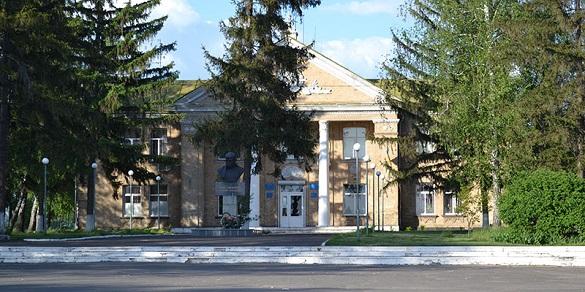 У Червоній Слободі депутати відправили голову села у відставку (ВІДЕО)