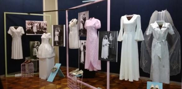 У Черкасах показали весільну моду другої половини ХХ століття