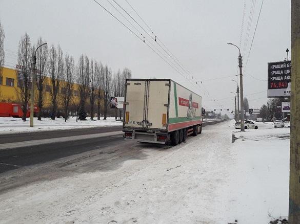 На одній із вулиць у Черкасах обмежений проїзд тролейбусам (ВІДЕО)