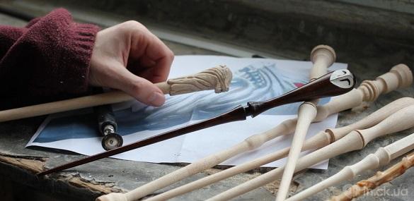 Черкащанин виготовляє чарівні палички за мотивами Гаррі Поттера (ФОТО)