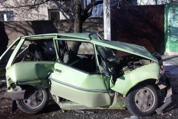 Розбита вщент автівка: в ДТП на Черкащині загинуло троє людей (ФОТО)
