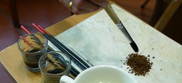 Черкаська художниця розповіла технологію створення портретів із кави (ВІДЕО)