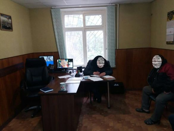 На Черкащині затримали чоловіка на хабарі поліцейському (ФОТО)