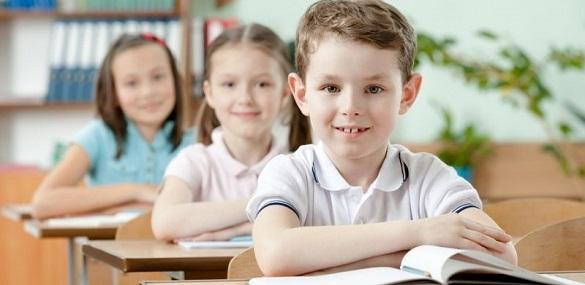 Черкаські першачки йтимуть до школи по-новому
