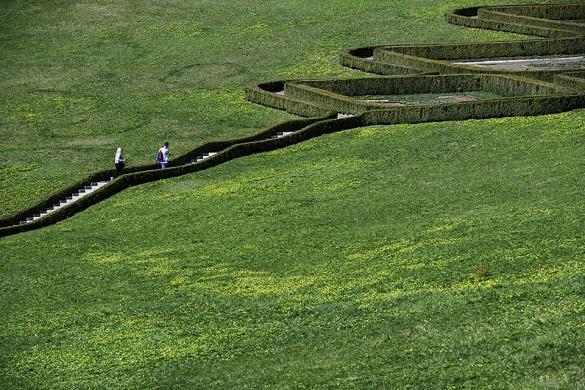 Японський сад та водоспад: Гройсман розповів, що чекає на