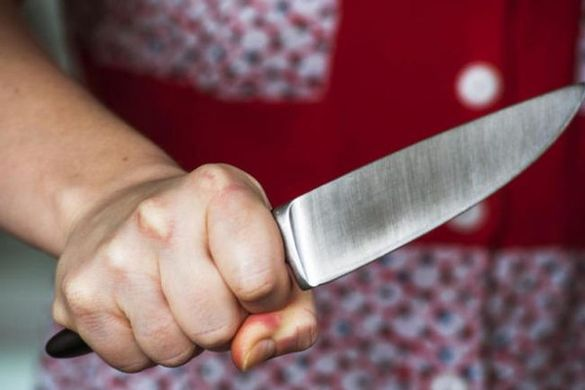 На Черкащині жінка захищалася від свого чоловіка ножем