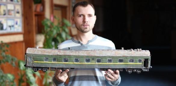 Черкащанин виготовляє реалістичні моделі бронетехніки