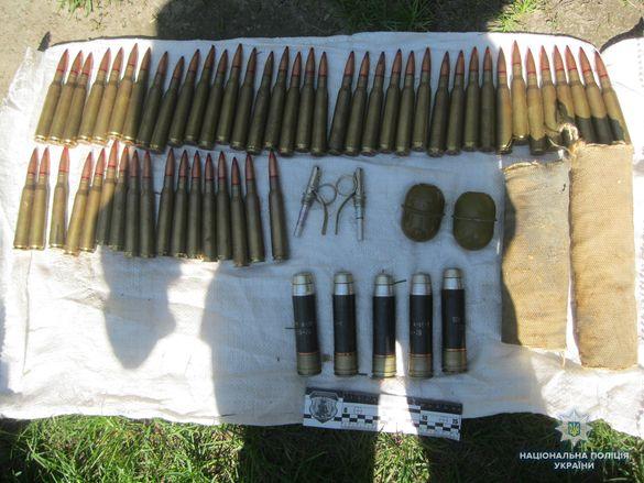 На Черкащині знайшли схованку з великим арсеналом боєприпасів (ФОТО, ВІДЕО)