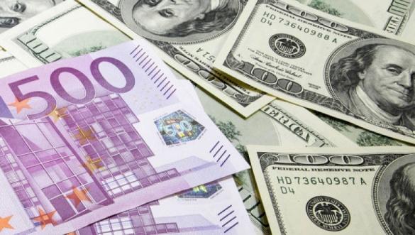 Питання квітня: у якій валюті зберігати заощадження? - аналізуємо разом