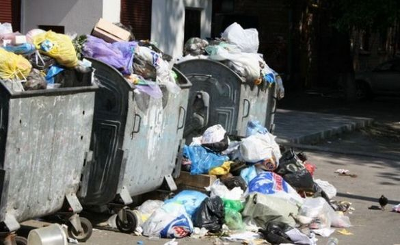 У Черкасах знову проблеми з вивезенням сміття (ВІДЕО)