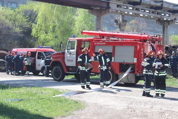 Рятувальники відпрацьовували гасіння пожежі на території Черкаської ТЕЦ (ФОТО)