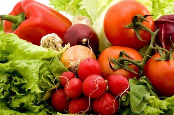 Черкащанам розповіли, скільки коштують весняні овочі на ринку (ВІДЕО)