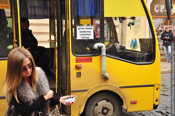 Як в Івано-Франківську: для черкаських студентів та пенсіонерів хочуть зробити безкоштовним проїзд у маршрутках удень