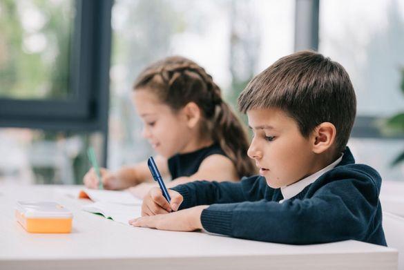 Оцінки онлайн: у двох черкаських школах запровадили електронну новацію (ВІДЕО)