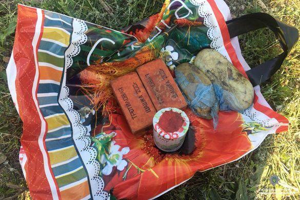 У Черкасах біля заправки чоловік носив у пакеті вибухівку (ФОТО)