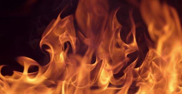 У Черкасах горіла будівля (ФОТО, ВІДЕО)