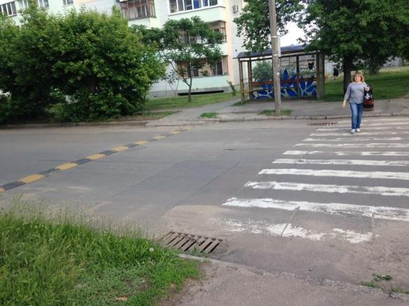 На одній із черкаських вулиць встановили обмежувачі руху