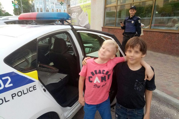 У Черкасах заблукали двоє дітей, які вирішили прогулятися містом (ФОТО)