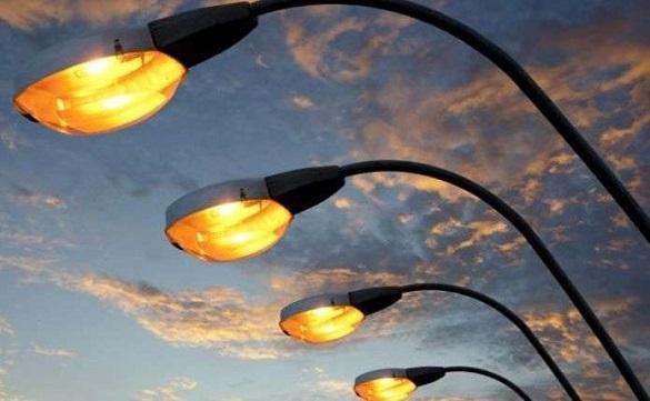 У Черкасах на двох вулицях реконструюють освітлення