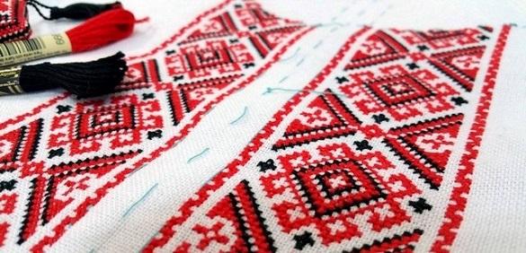 Черкаси розквітли у вишиванках (ФОТО, ВІДЕО)