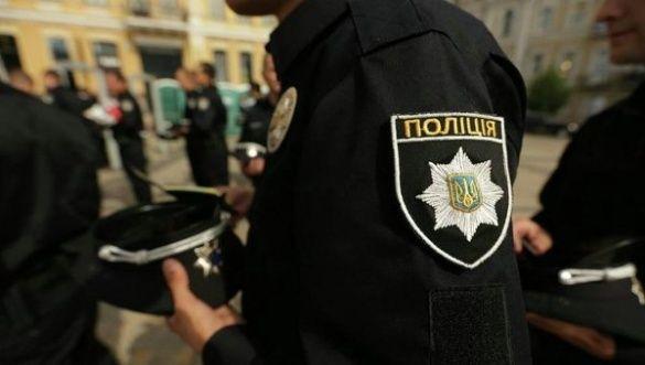 Заламали руки, кинули на землю: черкаський журналіст розповів про сутичку з полісменами на стадіоні