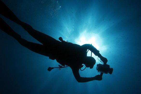 На Черкащині браконьєр під водою