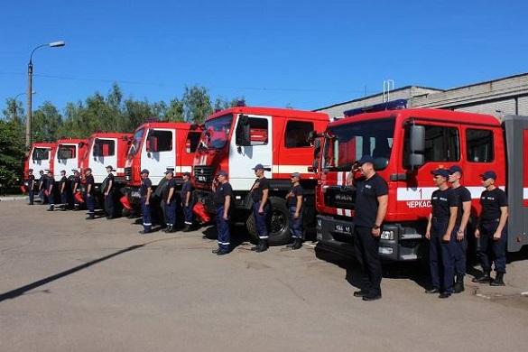 Черкаським рятувальникам придбали нові пожежні автівки (ФОТО)