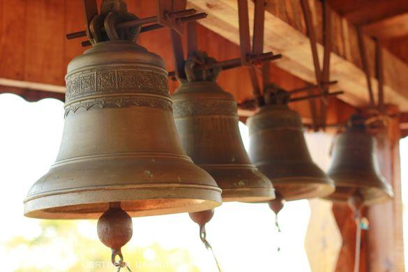Прокидатися під дзвін: в одному з міст на Черкащині відкрили вежу біля церкви (ФОТО)