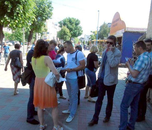 Черкаські підприємці не вірять у побудову дитячого майданчика на місці їхніх торгових яток (ВІДЕО)
