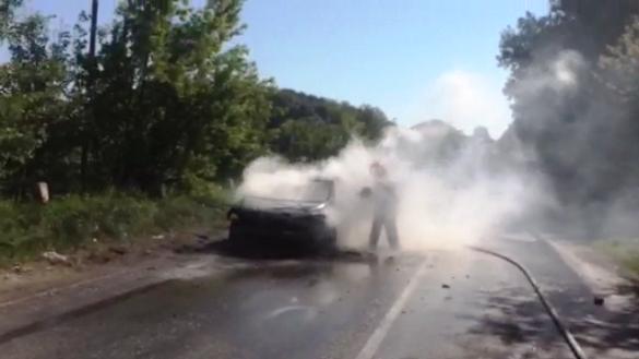 Черкащанка отримала опіки, намагаючись загасити палаючу автівку