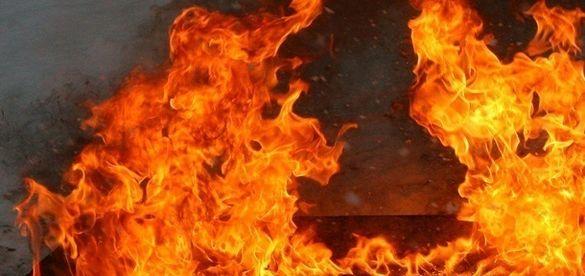 На Черкащині вогонь ледь не знищив трансформаторну підстанцію та склад (ВІДЕО)