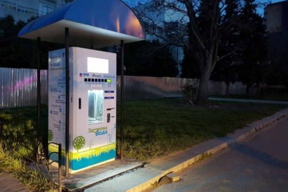 У Черкасах вандали розтрощили автомат доочистки питної води