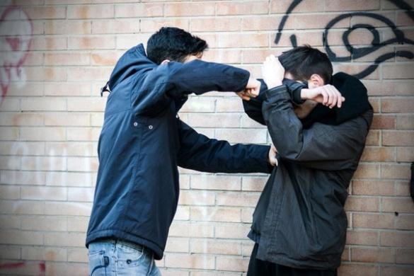 Поблизу однієї з черкаських шкіл неповнолітній побив однолітка