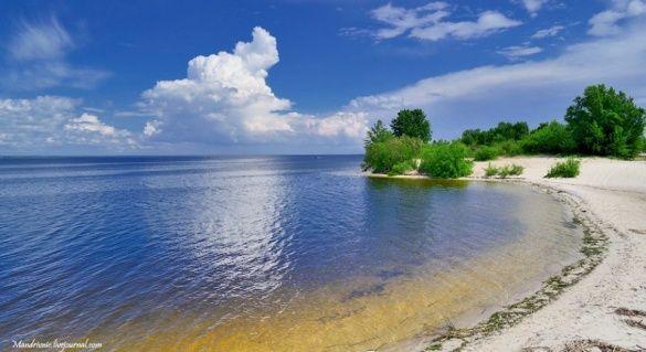 Черкаський пляж потрапив до списку не рекомендованих для купання