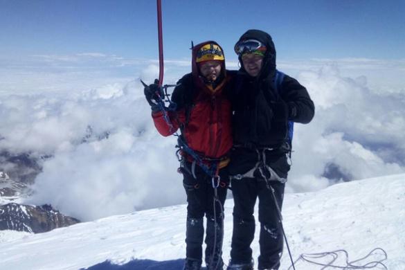 Черкаський школяр підкорив вершину однієї з найвищих гір Кавказу (ФОТО)