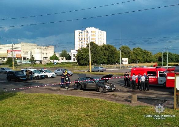 У Черкасах вибухнув автомобіль: є загиблий (ФОТО)