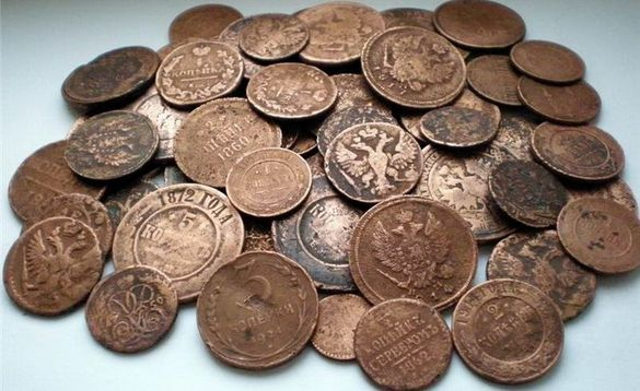 Черкащанин намагався вивезти з України дорогоцінні монети