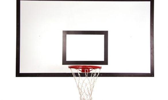 Зекономили: черкащанам розповіли, як придбали сумнозвісну баскетбольну конструкцію