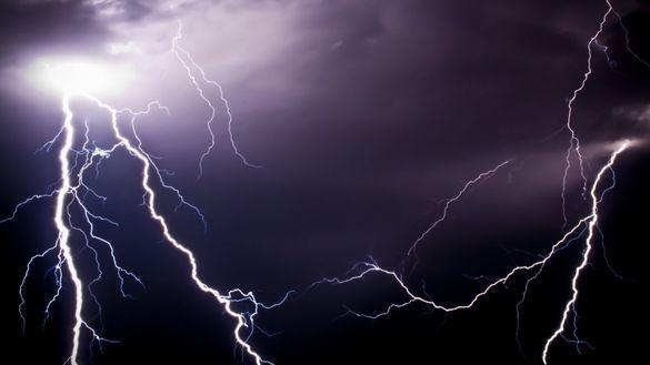 Грози та шквали: на Черкащині прогнозують штормове попередження
