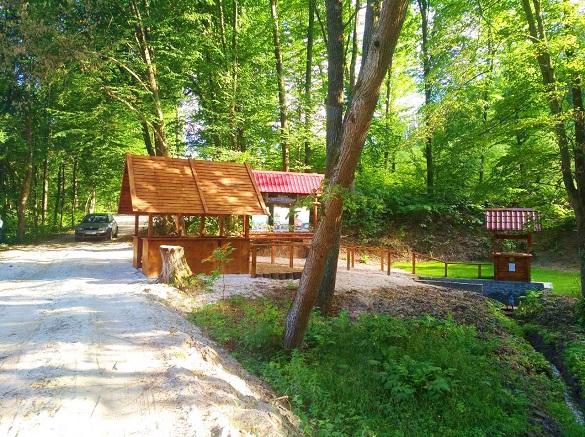 У лісі на Черкащині обладнали криницю (ФОТО)