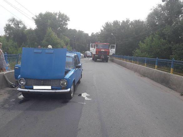 У Кам`янці на ходу загорілася автівка